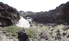 Grotta degli Archi, Mount Etna: magma flowing channer